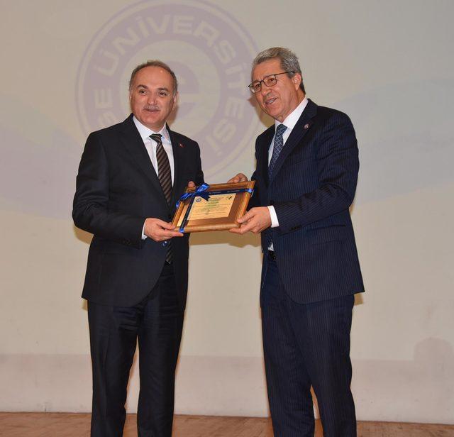 Bakan Özlü: İzmir'i teknoloji üssü yapmak için fikri katkı bekliyoruz (2)