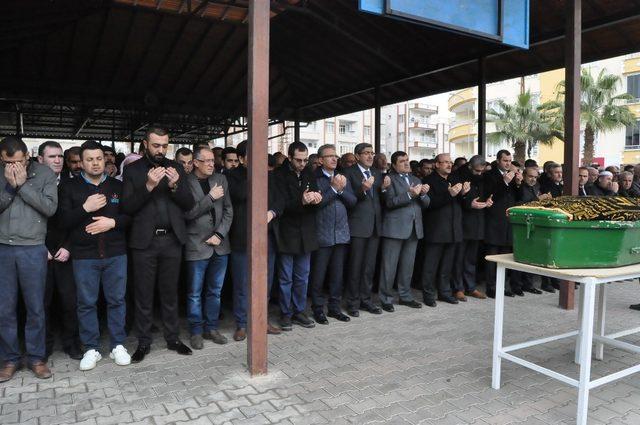 AK Parti Nizip İlçe başkanının babası toprağa verildi