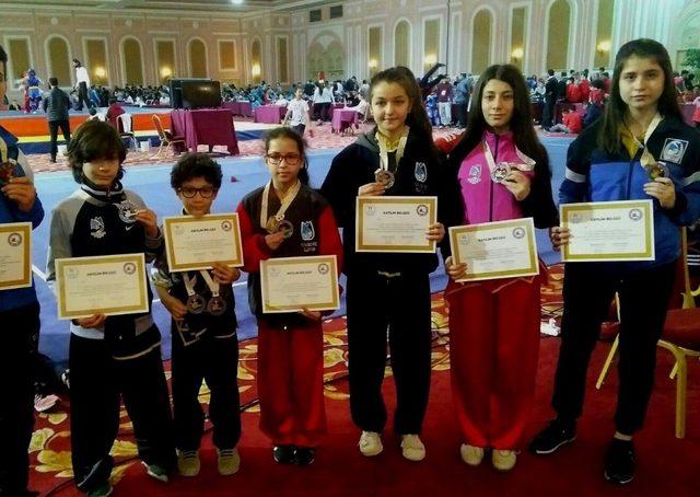 Wushu şampiyonasında Yunusemre Belediyespor fırtınası