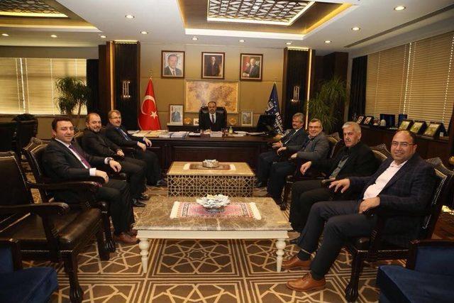 Bursa Büyükşehir Belediyesi'ne Bilecik çıkartması