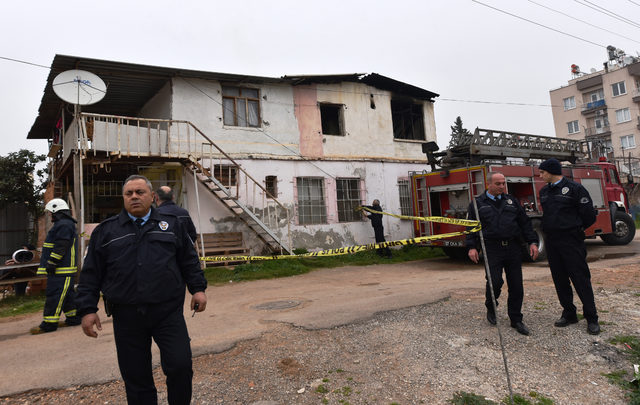 Abdülkadir bebek yangında öldü, iki kardeşini inşaat işçisi kurtardı