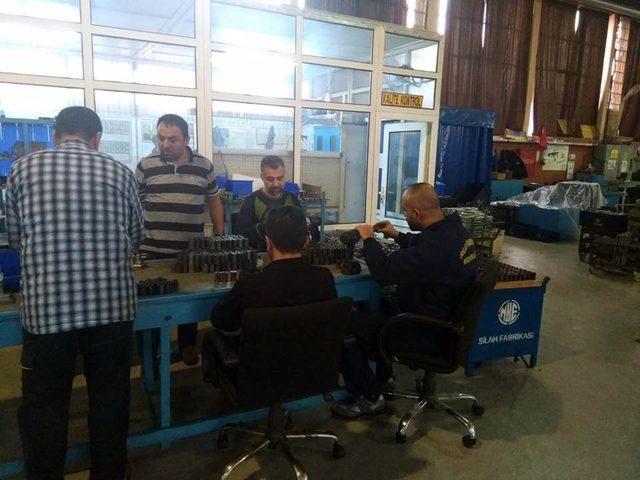 Silah fabrikasından gönüllü hafta sonu mesaisi