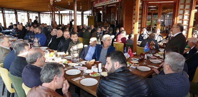 Başkan Gümrükçüoğlu Akçaabatlı esnaflar ile buluştu
