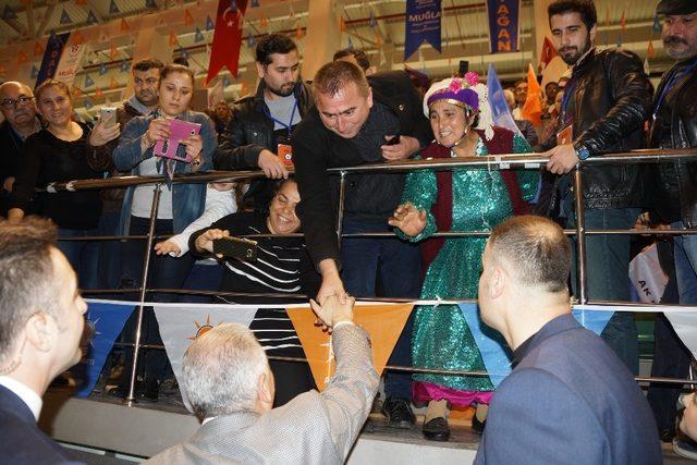 """Başbakan Yıldırım: """"Millilik, yerlilik, PKK/PYD ağzı ile konuşmakla olmaz"""""""