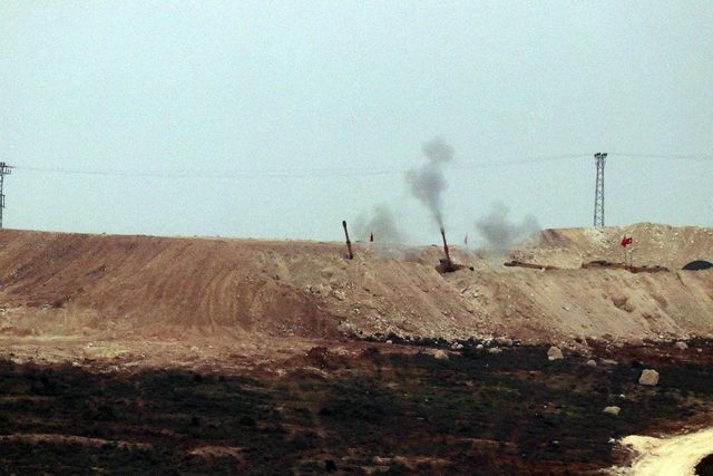 Afrin'deki terör mevzileri bir bir imha ediliyor