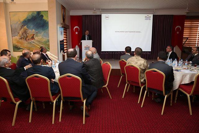 Vali Ali Hamza Pehlivan 11. Kalkınma Planı Hazırlık Çalıştayına katıldı