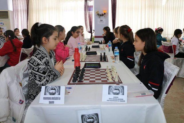 Marmaraereğlisi'nde satranç turnuvası