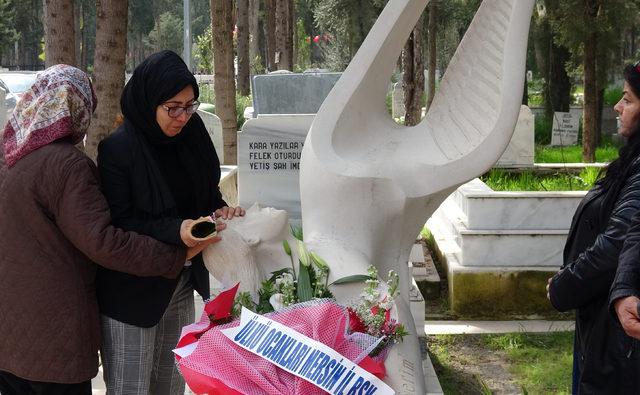 Özgecan, mezarı başında anıldı