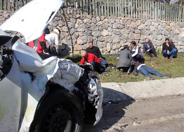 Abant yolunda zincirleme kaza: 11 yaralı