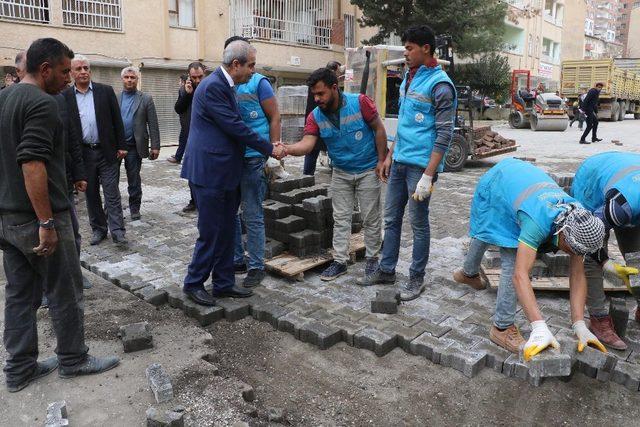 Haliliye'de yol çalışmaları devam ediyor