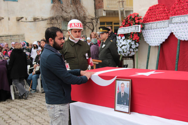 Şehit Uzman Onbaşı Hamza Karacaoğlu, Giresun'da toprağa verildi