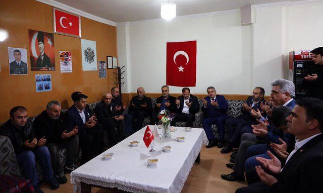 Hakan Çavuşoğlu: Şehidimiz artık tüm Türkiye'nin evladıdır