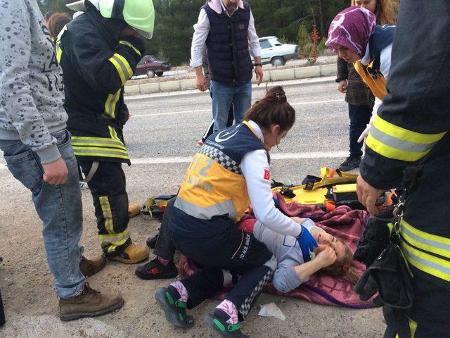 Ticari araç devrildi: 2'si çocuk 7 yaralı