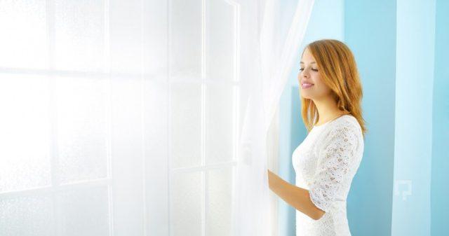 Tül perdelerinizi bulaşık makinesi tabletiyle yıkayın! Sonuçlara şaşıracaksınız