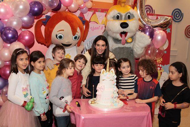 Ayşe Tolga kızı Can Yael'in 8'inci yaş gününü kutladı