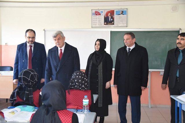 Başkan Karaosmanoğlu ve Başkan Ayaz okulları ziyaret etti