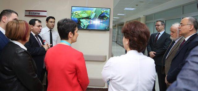 Gazi Hastanesi'nde tam otomatik kemoterapi ilaç hazırlama ünitesi açıldı