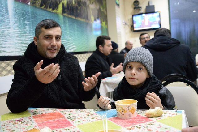 Bozüyük'te 'sabah namazı buluşmaları' Yeşilkent Camii'nde yapıldı