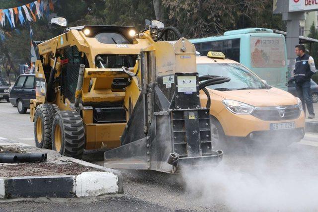 Devlet hastanesi kavşağındaki trafiğe akıllı çözüm