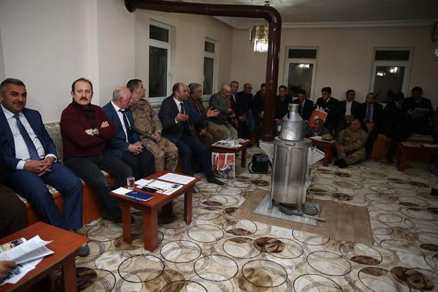 Vali Pehlivan, Sancaktepe Köyü'nde vatandaşlarla buluştu