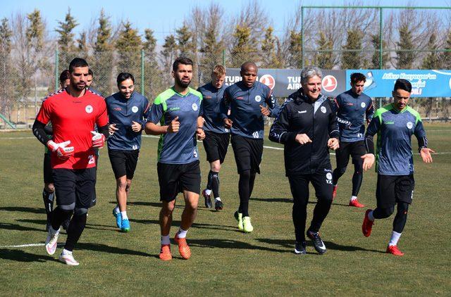 Atiker Konyaspor, Beşiktaş maçının hazırlıklarına ara vermeden başladı