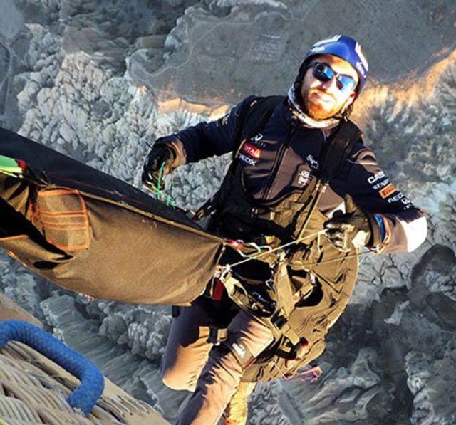 Yamaç paraşütçüsü inişte düşerek yaralandı