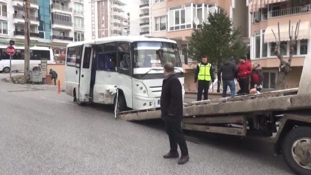 Edirne'de okul servisi ile midibüs çarpıştı: 11 yaralı