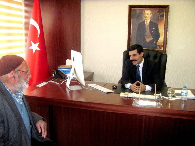 Emekli maaşını Mehmetçiğe bağışladı