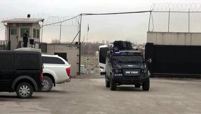Van'da PKK/KCK operasyonuna 18 gözaltı