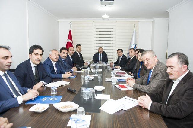 Vali Zorluoğlu'ndan kurum ziyareti