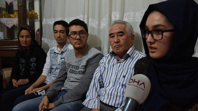İki oğlu ve eşinde böbrek yetmezliği bulunan baba ancak bir çocuğuna umut oldu
