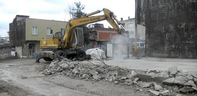 Osmangazi'de kaçak yapıya geçit yok