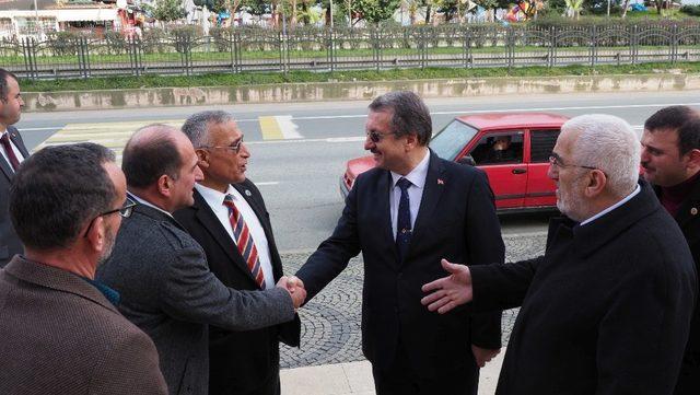 Rizeli Muhtarlardan ÇAYKUR Genel Müdürü İmdat Sütlüoğlu 'na destek ziyareti