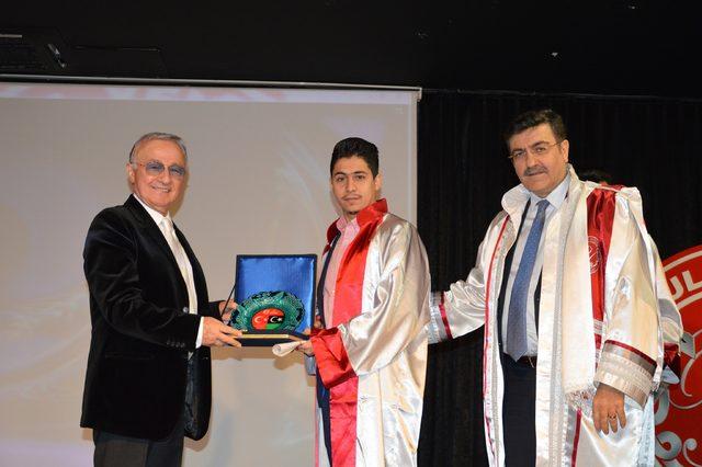 Libyalı öğrencilerin mezuniyet sevinci