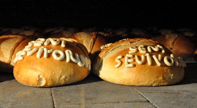 Sevgililer Günü'ne özel kalpli Vakfıkebir ekmeği