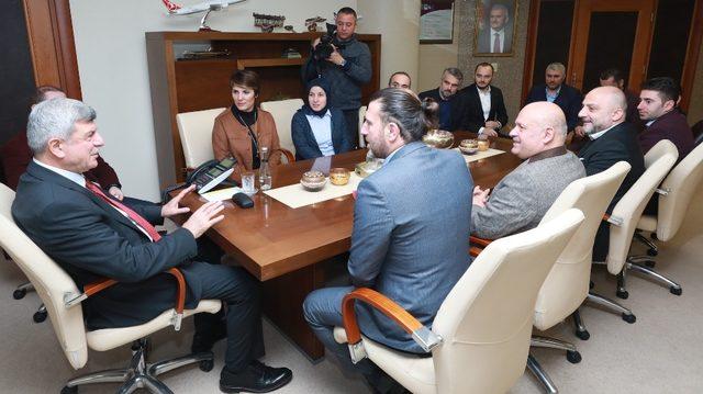 Başkan Karaosmanoğlu, Kocaeli Trabzonlular Derneği yönetimini ağırladı
