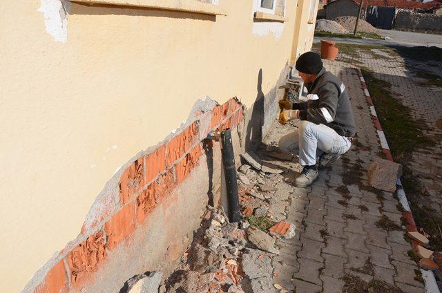 Seyitgazi Belediyesi ekipleri Gümüşbel mahallesinde