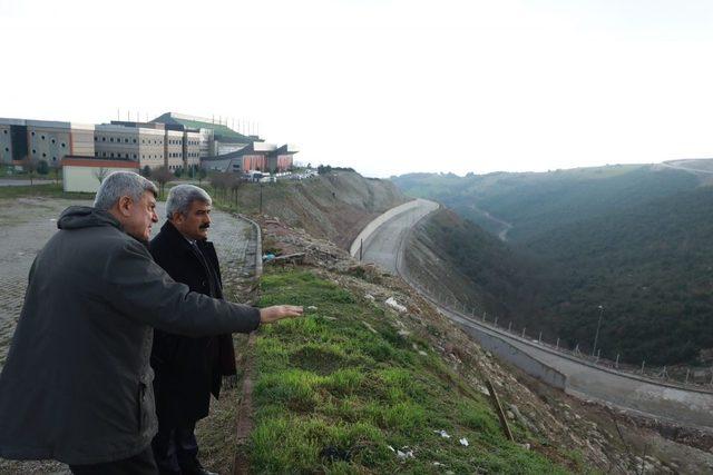 Başkan Karaosmanoğlu, KOÜ'de yapılan projeleri inceledi
