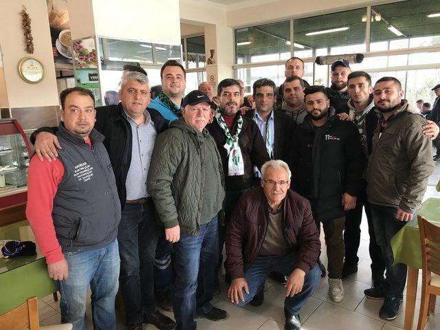 Akhisarspor ve Bursaspor taraftarları barıştı
