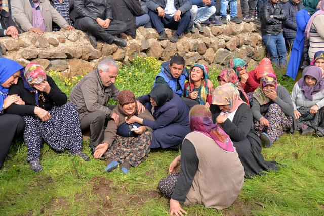 Kazada ölen tarım işçileri toprağa verildi