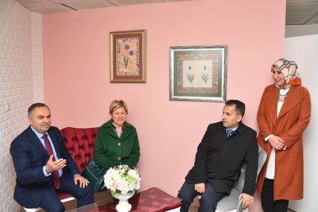 Düzce'de aile danışma merkezinin açılışı yapıldı