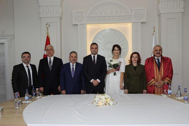 Vali Zorluoğlu, Sevgililer Günü'nde nikah kıydı