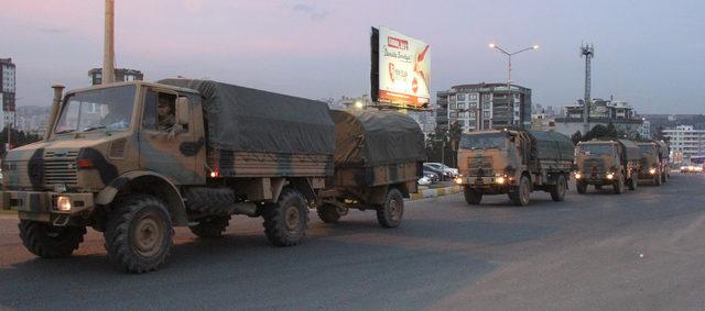 Mardin'den Suriye sınırına askeri sevkiyat
