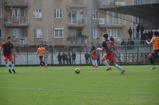 Gençler futbolda şampiyon İncirliova Spor Lisesi