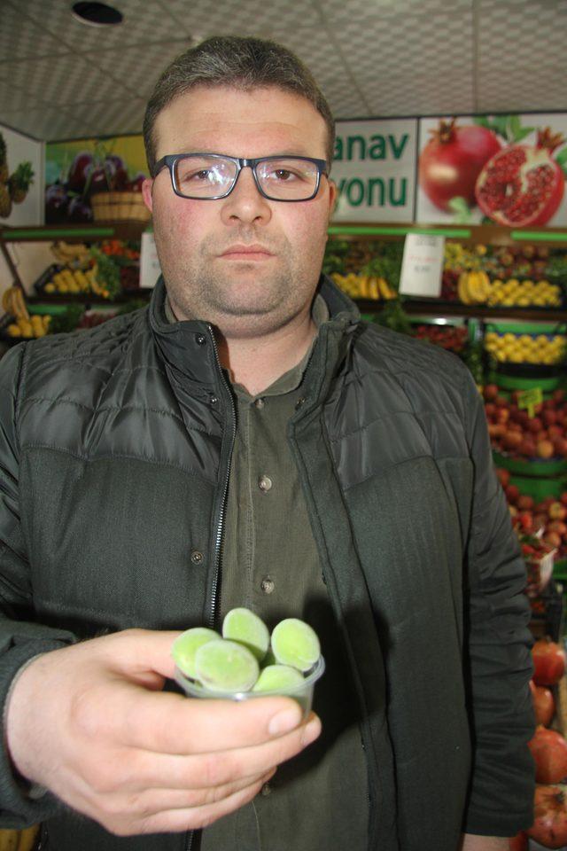 Turfanda çağlanın 65 gramı 25 lira