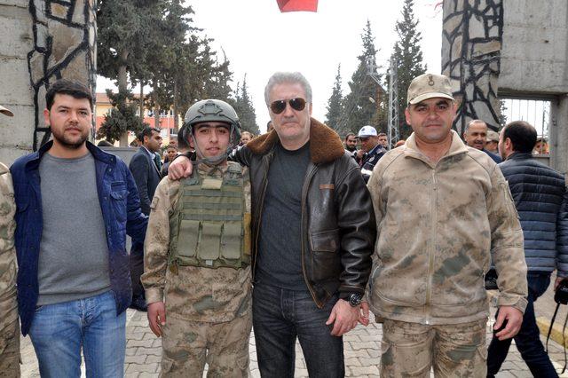 Sanatçılar, 'Zeytin Dalı Harekatı'na destek için Hatay'da (2)