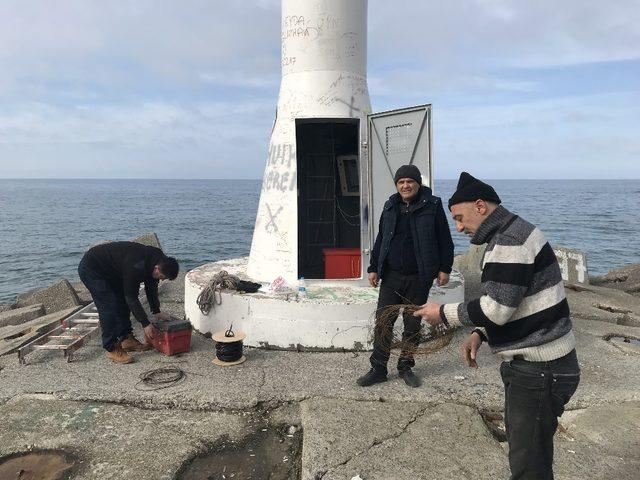 Akçakoca'da dev dalgaların etkilediği meteoroloji arızası giderildi
