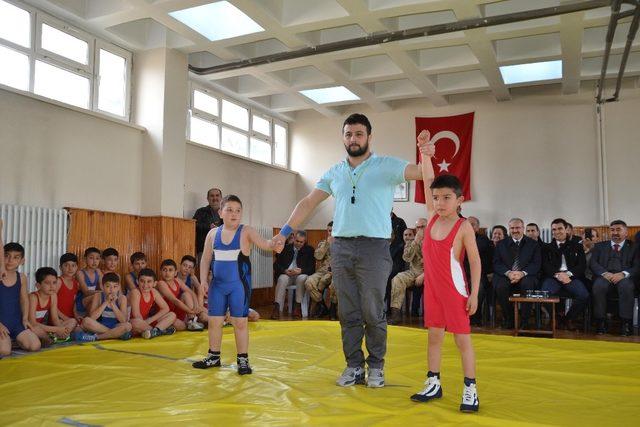 Dünya şampiyonu ölüm yıl dönümünde memleketi Tokat'ta anıldı
