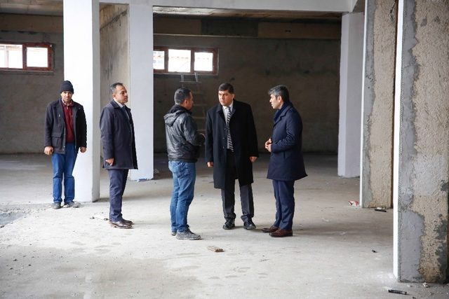 Başkan Fadıloğlu Seyrantepe Ticaret Merkezini inceledi