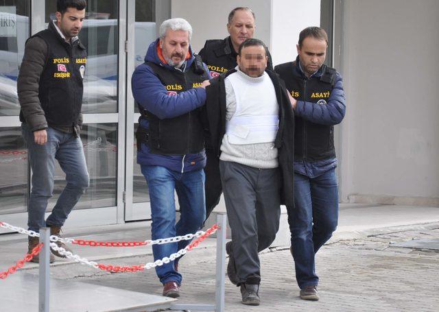 Aranan cinayet şüphelisi ahırda yakalandı